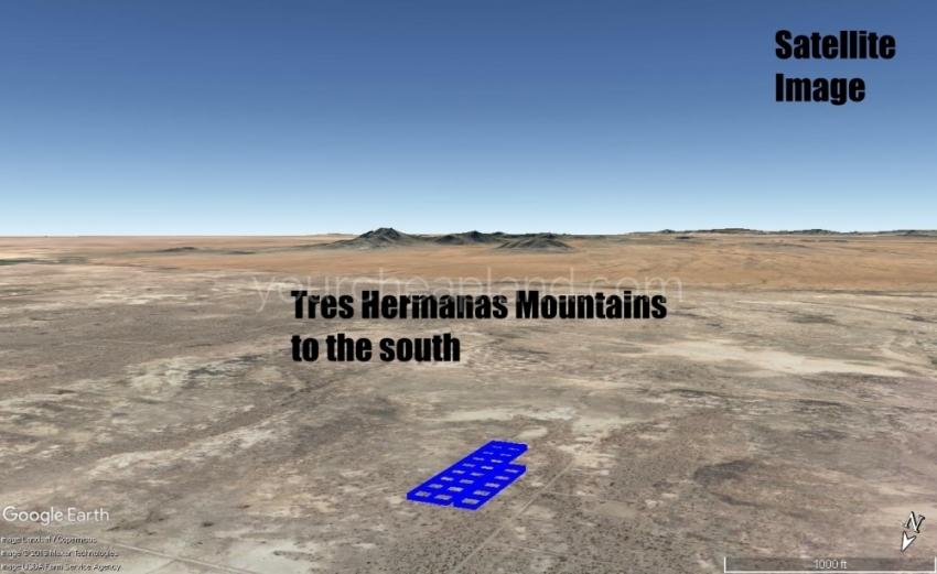 Tres Hermanas Mountains View